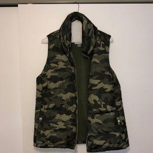 Camp print vest